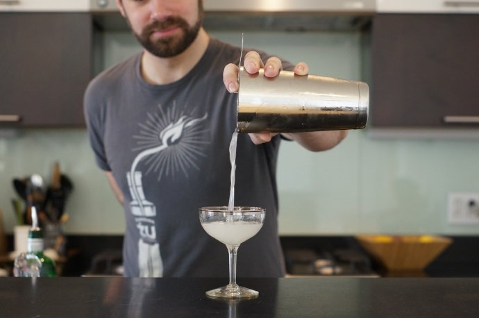 Home Bar Project: How to Make a Gimlet