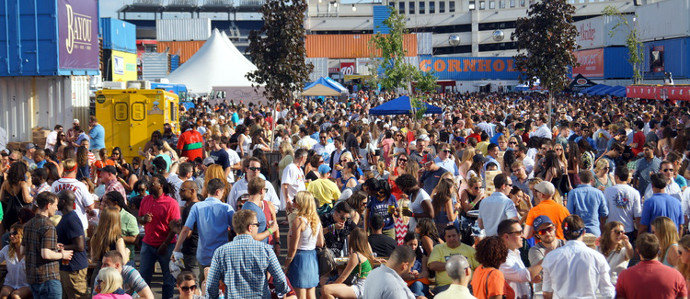 Soak up the Sun at These Late Summer Food and Drink Festivals