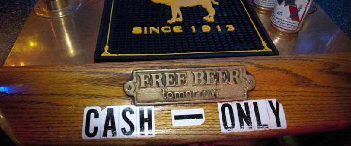 What Makes a Dive Bar a Dive Bar? 14 Clues to Look For