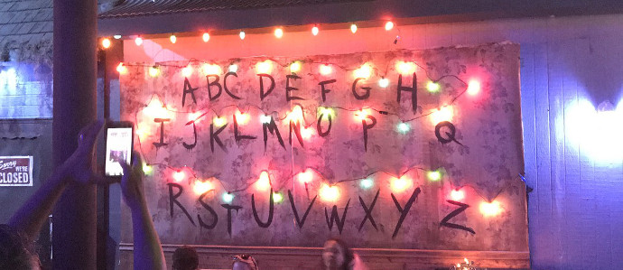 Hold Onto Your Eggos: Chicago Now Has a 'Stranger Things' Pop Up Bar